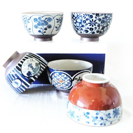 Set de 5 bols japonais de différentes couleurs