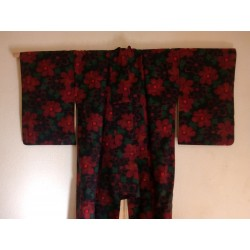 Kimono rouge à fleurs