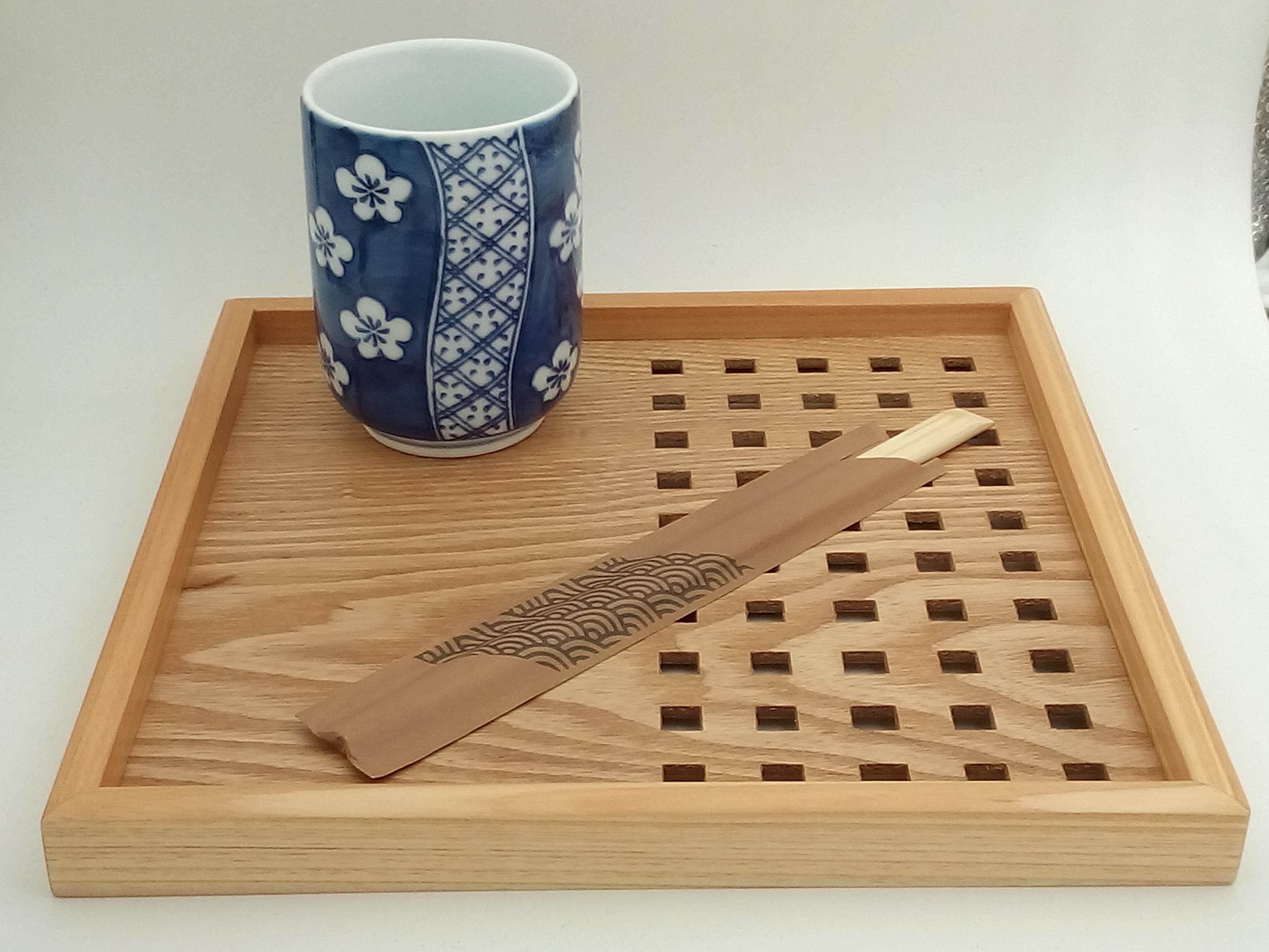 Plateau en bois naturel pour une jolie présentation de vos objets japonais