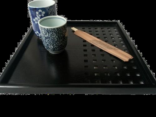 Plateau japonais noir pour présenter vos ustensiles du Japon pour le thé ou le service de table